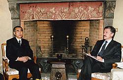 1月9日は何の日【小渕恵三首相】伊・ダレーマ首相と会談