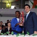 1月11日のできごと(何の日)【安倍晋三首相】コートジボアールで柔道「安倍杯」を視察