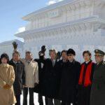 2月11日のできごと(何の日)【小泉純一郎首相】陸上自衛隊真駒内駐屯地を訪問