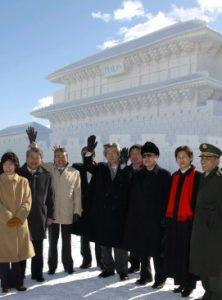 2月11日は何の日【小泉純一郎首相】陸上自衛隊真駒内駐屯地を訪問