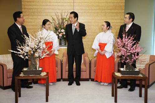2月10日のできごと(何の日)【菅直人首相】梅の使節が表敬訪問