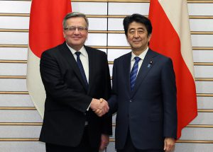 2月27日は何の日【安倍晋三首相】ポーランド大統領と会談