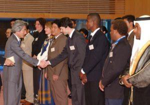 1月15日は何の日【小泉純一郎首相】「世界青年の船」参加青年代表が表敬訪問