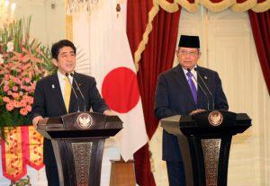 1月18日は何の日【安倍晋三首相】インドネシア・ユドヨノ大統領と会談