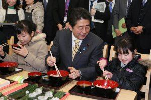 2月21日は何の日【安倍晋三首相】津波被災地を視察