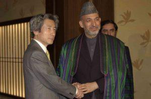2月21日は何の日【小泉純一郎首相】アフガニスタン大統領と会談