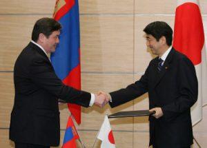 2月26日は何の日【安倍晋三首相】モンゴル大統領と会談