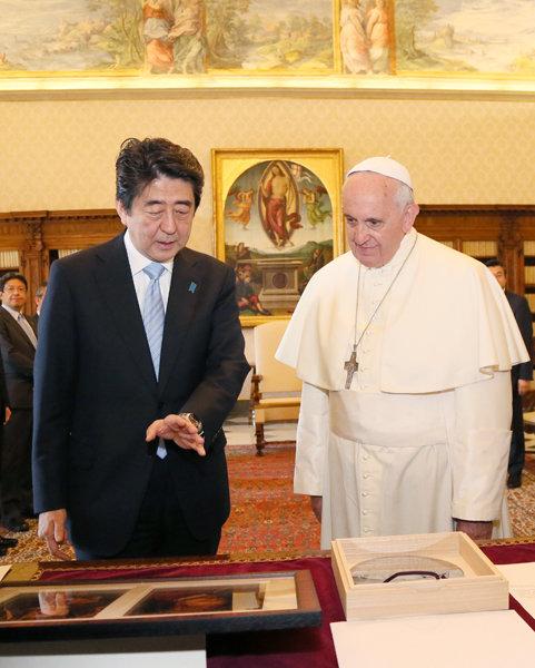 6月6日のできごと(何の日)【安倍晋三首相】ローマ法王と会談