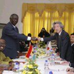 5月2日のできごと【小泉純一郎首相】ガーナ・クフォー大統領と会談