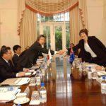 5月2日のできごと【小泉純一郎首相】NZ首相と会談
