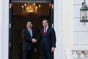 5月2日は何の日【安倍晋三首相】ポルトガル・コエリョ首相と会談