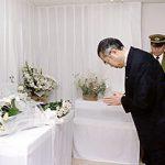 3月20日のできごと(何の日)【小渕恵三首相】地下鉄サリン事件犠牲者に献花
