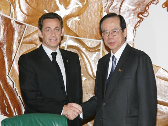 6月3日のできごと(何の日)【福田康夫首相】仏・サルコジ大統領と会談