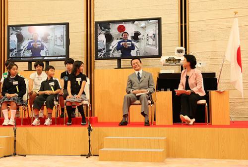 6月3日のできごと(何の日)【麻生太郎首相】ISS滞在中の若田光一宇宙飛行士と交信