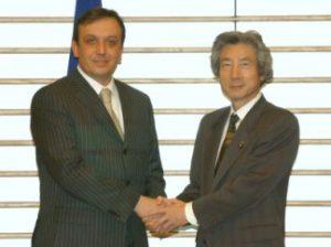 3月4日は何の日【小泉純一郎首相】ボスニア・ヘルツェゴビナ首相と会談