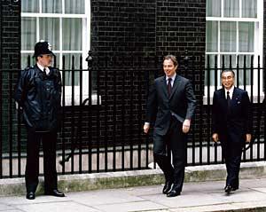 6月21日のできごと(何の日)【小渕恵三首相】英・ブレア首相と会談