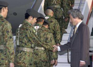 5月8日は何の日【小泉純一郎首相】陸自イラク派遣「無事の帰国祈る」