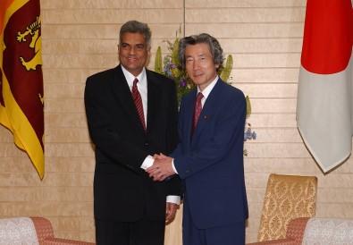6月10日のできごと(何の日)【小泉純一郎首相】スリランカ首相と会談