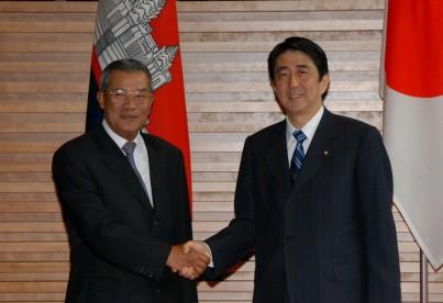 6月14日のできごと(何の日)【安倍晋三首相】カンボジア首相と会談