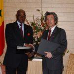 5月14日のできごと【小泉純一郎首相】セネガル・ワッド大統領と会談