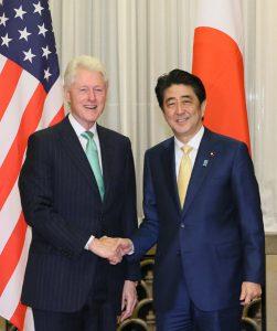 3月17日は何の日【安倍晋三首相】クリントン氏招き夕食会
