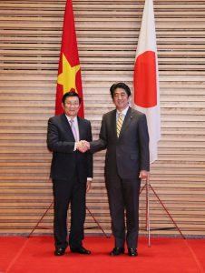 3月18日は何の日【安倍晋三首相】ベトナム国家主席と会談