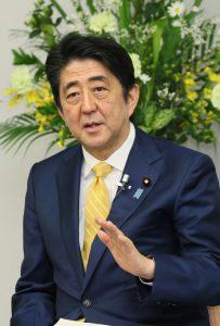 3月8日は何の日【安倍晋三首相】非正規労働者と懇談
