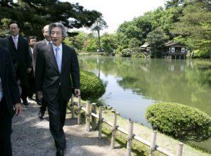 5月21日は何の日【小泉純一郎首相】兼六園などを訪問