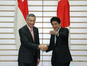 5月22日は何の日【安倍晋三首相】シンガポール首相にTPP交渉協力を要請