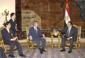5月24日は何の日【小泉純一郎首相】エジプト・ムバラク大統領と会談