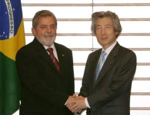 5月26日は何の日【小泉純一郎首相】ブラジル・ルラ大統領と会談
