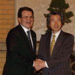 4月26日のできごと【小泉純一郎首相】欧州委員会委員長と会談