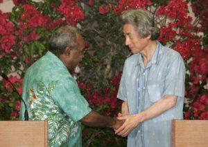 5月27日は何の日【小泉純一郎首相】太平洋島しょ国に450億円