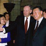 5月4日のできごと【森喜朗首相】カナダ・クレティエン首相と会談
