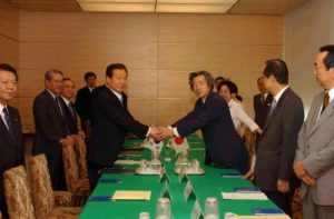 7月1日は何の日【小泉純一郎首相】韓国・金大中大統領と会談