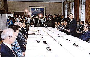 7月27日は何の日【小渕恵三首相】司法改革に前向き