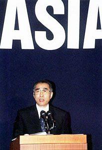12月16日は何の日【小渕恵三首相】ベトナムで演説