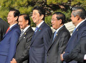 12月14日は何の日【安倍晋三首相】中国防空圏への懸念を表明
