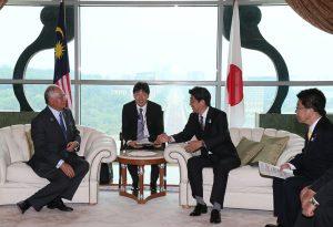 7月25日は何の日【安倍晋三首相】マレーシア・ナジブ首相と会談