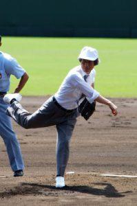 8月7日は何の日【小泉純一郎首相】甲子園始球式に登場