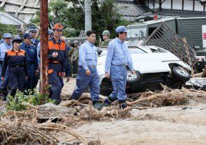 7月12日は何の日【安倍晋三首相】九州豪雨被災地を視察