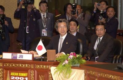 11月6日のできごと(何の日)【小泉純一郎首相】「ASEAN重視は不変」
