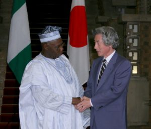 9月14日は何の日【小泉純一郎首相】ナイジェリア・オバサンジョ大統領と会談