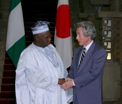 9月14日のできごと(何の日)【小泉純一郎首相】ナイジェリア・オバサンジョ大統領と会談