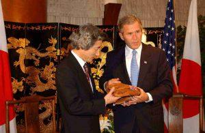 10月20日は何の日【小泉純一郎首相】ブッシュ米大統領と会談
