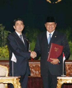 8月20日は何の日【安倍晋三首相】インドネシア・ユドヨノ大統領と会談