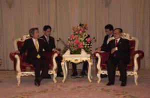 10月21日は何の日【小泉純一郎首相】中国にODA削減を通達